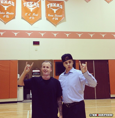 Hook_em_biebs_medium