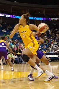 Liz Cambage drives to the basket against LA July 15th. (photo by Troy Littledeer)