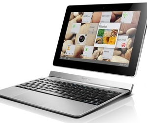 Gallery Photo: Lenovo IdeaPad S2 tablet