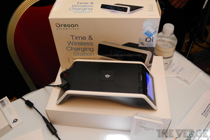 Oregon Scientific Time and Wireless Charging Station+