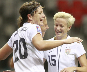 Abby Wambach celebrates with