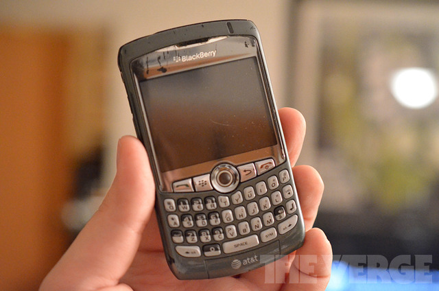 RIM BlackBerry 8310 beat up (1020)