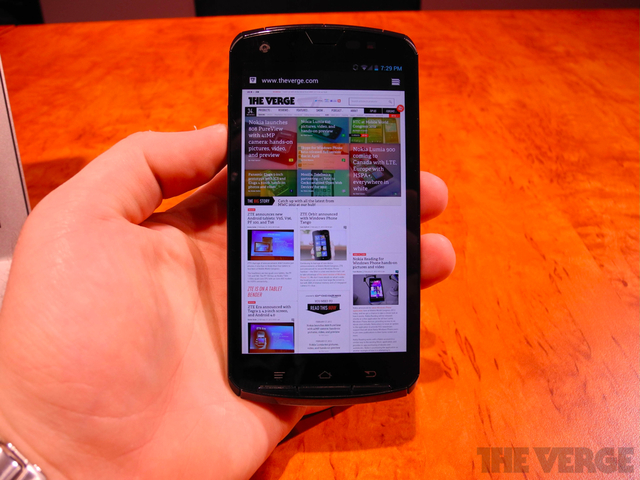 Gallery Photo: Fujitsu quad-core Tegra 3 prototype Android phone hands-on photos