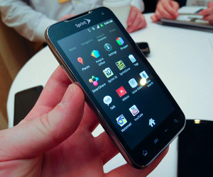 Gallery Photo: Sprint Galaxy Nexus, LG Viper, and Sierra Wireless Tri-Network Hotspot hands-on