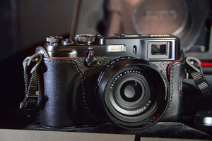 Gallery Photo: Fujifilm black X100 hands-on pictures