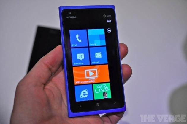 Gallery Photo: Nokia Lumia 900 preview gallery