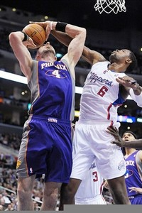 Gortat and the Suns struggled through the first half, but kept battling. Mandatory Credit: Kirby Lee/Image of Sport-US PRESSWIRE