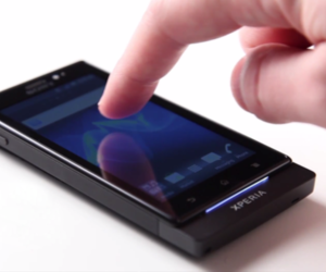 Sony Xperia Sola floating touch