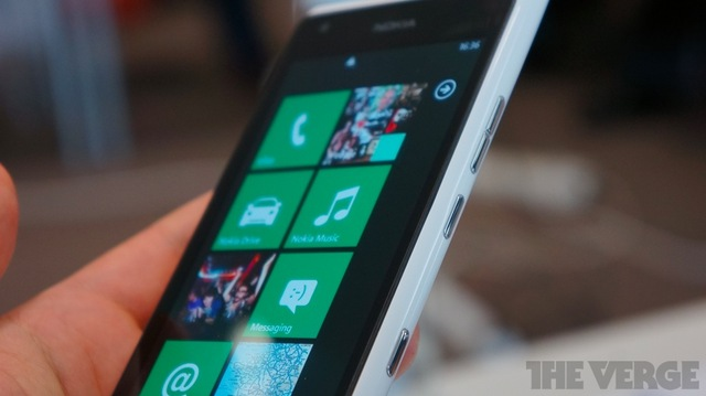 Gallery Photo: Nokia Lumia 900 in white, hands-on photos