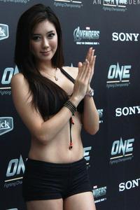 ONE_FC_2_Ring_Girls_2_large.jpg