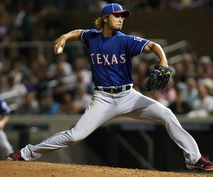 Rangers' Darvish survives shaky start