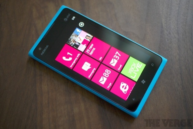 Nokia Lumia 900 hero (1024px)