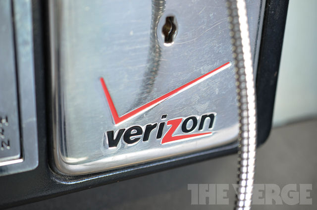 Verizon logo payphone (1020)