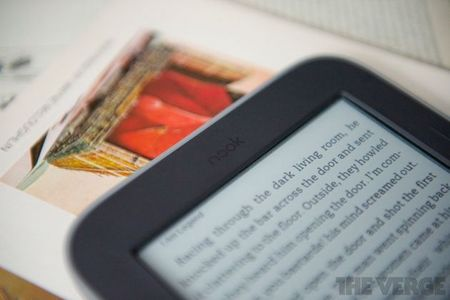 Gallery Photo: Barnes &amp; Noble Nook Simple Touch with GlowLight review pictures