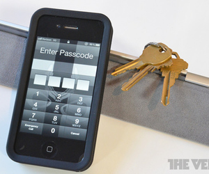 iPhone PIN code unlock