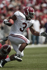 TUSCALOOSA, AL - APRIL 17:  Running back Trent Richardson #3 of the University of Alabama Crimson Tide runs for a first down during the Alabama spring game at Bryant Denny Stadium on April 17, 2010 in Tuscaloosa, Alabama. (Photo by Dave Martin/Getty Images)