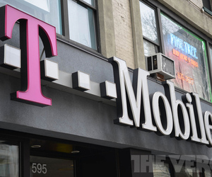T-mobile store logo (1020)