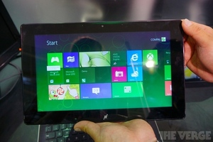 Gallery Photo: Compal AMD Windows 8 hybrid tablet hands-on photos