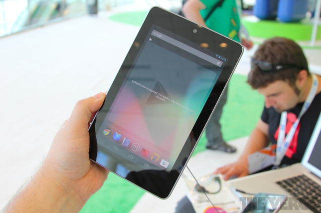 Gallery Photo: Google Nexus 7 by Asus hands-on pictures