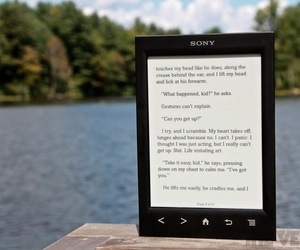 Sony Reader PRS-T2 hero (1024px)