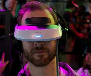 Gallery Photo: Sony HMZ-T2 personal 3D viewer hands-on