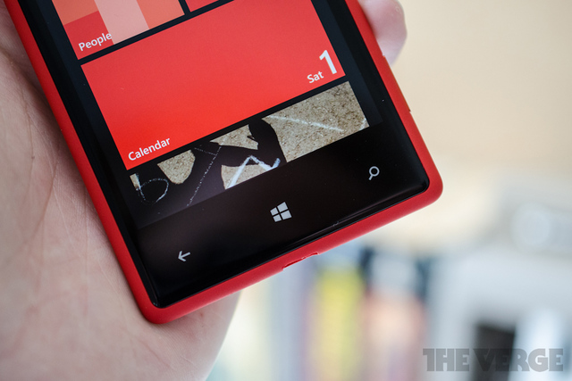 Gallery Photo: Windows Phone 8X hands-on photos