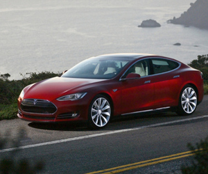 Tesla Model S press 640