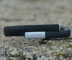 Jawbone Up hero (1024px)