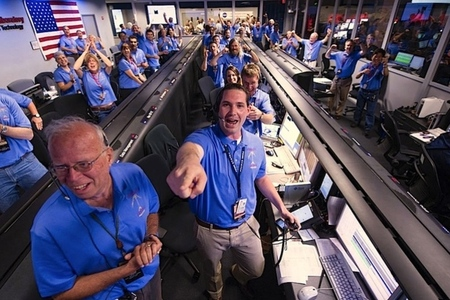 NASA cheering curiosity