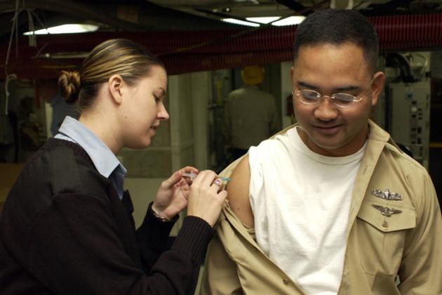 flu shot (wikimedia)