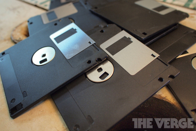 Floppy-disc-pile-stock_1020_large