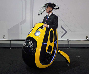 Hyundai dreams up egg-shaped E4U personal transporter
