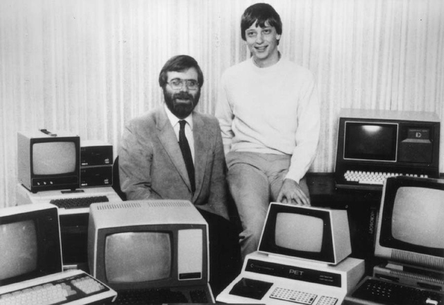Bill Gates and Microsoft co-founder Paul Allen recreate classic photo from 1981