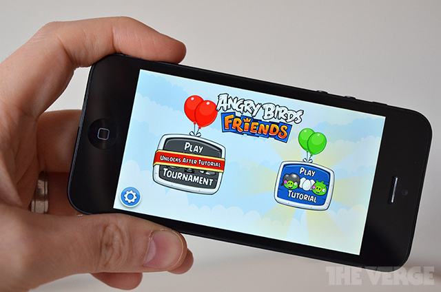 'Angry Birds Friends' for iOS adds Facebook integration to Rovio's cash cow