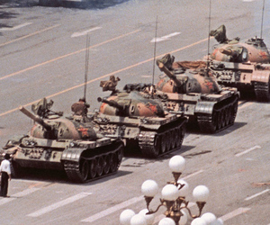 tank man tiananmen square (jeff widener)