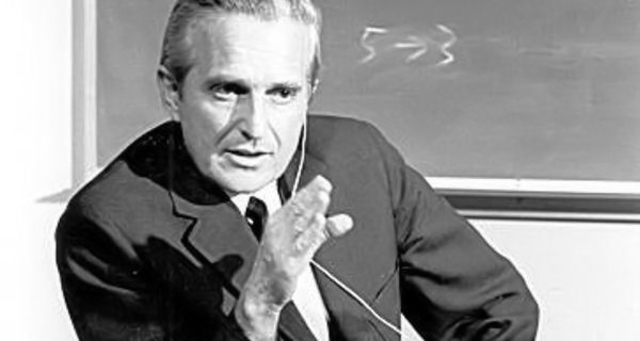 Douglas Engelbart, visionary who invented the computer mouse, dies at 88