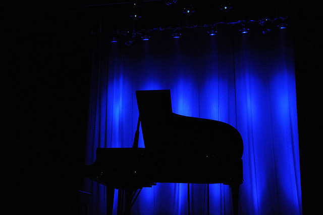 piano in the dark flickr me5otron
