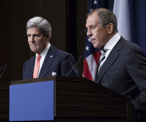 (FLICKR US Mission Geneva) John Kerry and Sergey Lavrov at press conference 9/12/2013