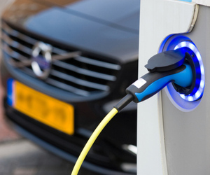 electric vehicle charger (SHUTTERSTOCK)