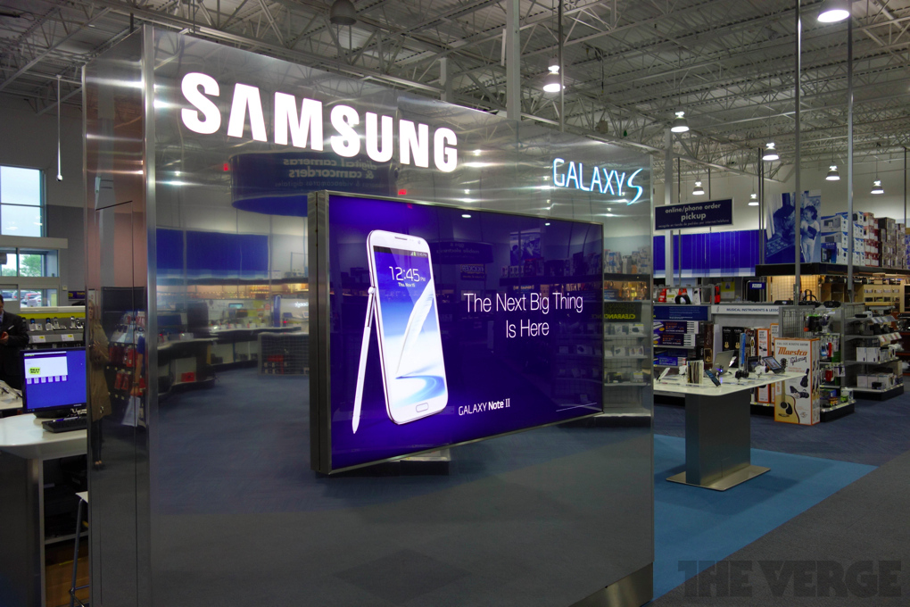 Samsung says smartphone sales aren't to blame for reduced Q4 profits