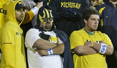 Michigan-fans-big-house