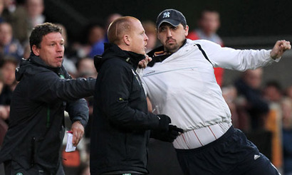 Neil-lennon-attacked--at--006