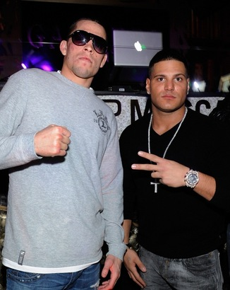 Nate-diaz-and-ronnie-at-gallery