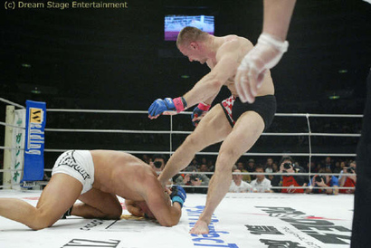 Crocop-kos-waterman-with-soccer-kick-pride-27