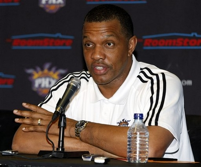 Interim-coach-alvin-gentry-takes-questions-from-the-attending-press-having-been-introduced-as-the-teams-coach-by-gm-steve-kerr