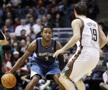 113751_timberwolves_bucks_basketball_display_image_medium