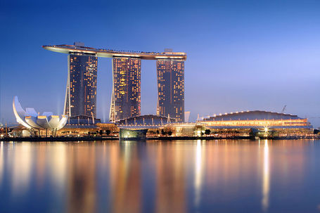 800px-marina_bay_sands_in_the_evening_-_20101120_medium