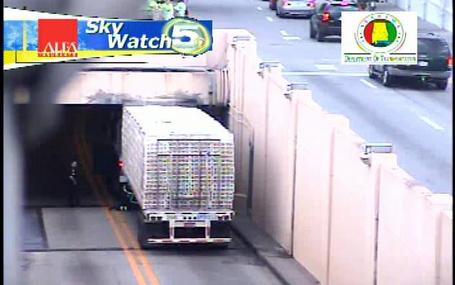 Truck-stuck-in-bankhead-tunnel-76662_medium