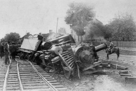 Trainwreck2_medium
