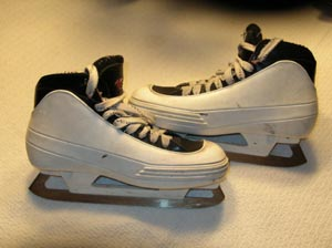 3417d1151528700-fs-size-7d-ccm-tacks-452-goalie-skates-dscn0259_medium